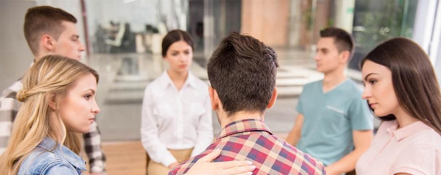 Тренинги и беседы группового характера