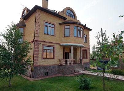 дом в Ейске